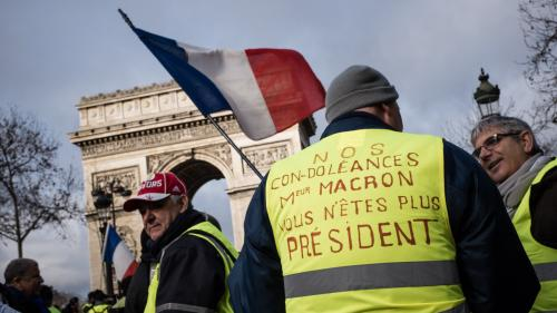 """DIRECT. """"Gilets jaunes"""" : les cortèges défilent dans le calme à Paris et en régions, la situation se tend à Evreux"""