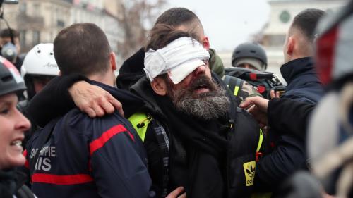 """Jérôme Rodrigues, une des figures des """"gilets jaunes"""" blessé à l'œil, l'IGPN saisie"""