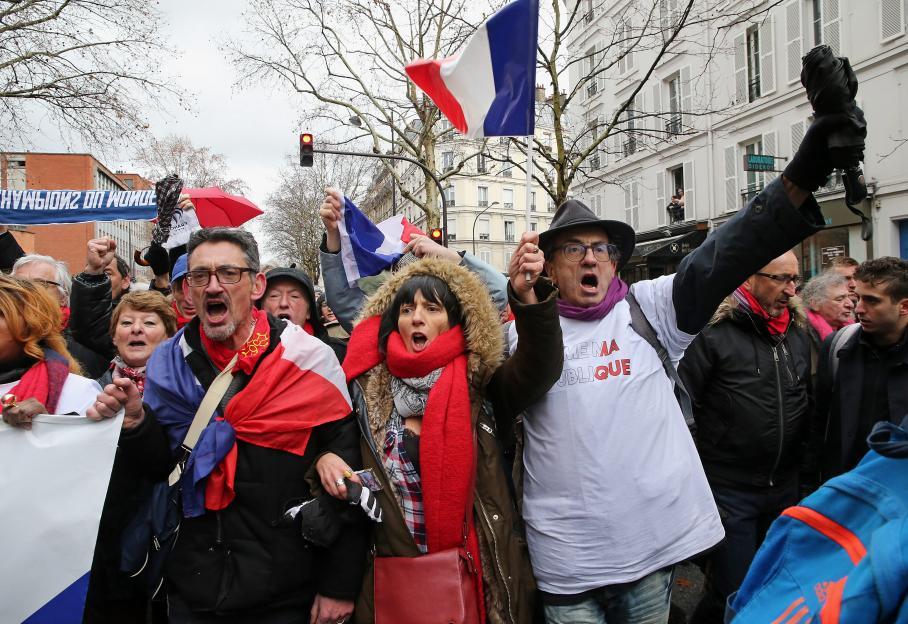 321366f1ca632 A la Marche républicaine des libertés, l impossible dialogue entre