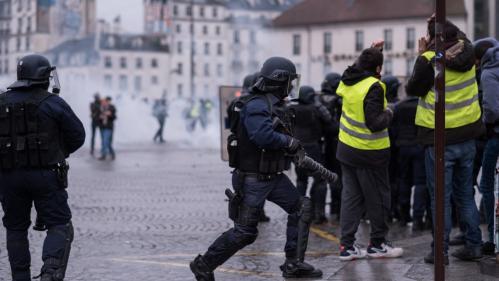 """""""Gilets jaunes"""" : 65 personnes placées en garde à vue à Paris après la mobilisation de samedi"""