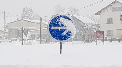 Tempête Gabriel : 43départements placés en vigilance orange pour vents violents ou neigeetverglas