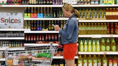 """""""Je préfère être paré au pire"""" : à deux mois du Brexit, les """"stockpilers"""" britanniques font des réserves de nourriture"""