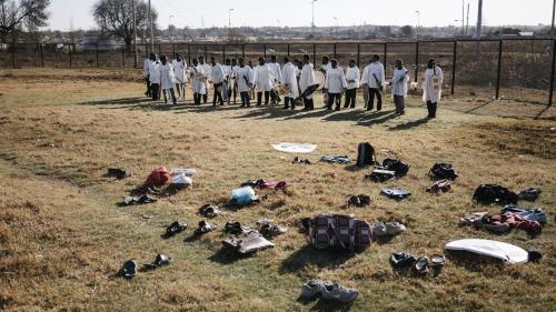 nouvel ordre mondial | Afrique du Sud : une bousculade mortelle lors d'une messe menace Shepherd Bushiri, le prédicateur milliardaire