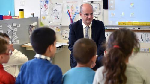 Éducation : rendre l'école obligatoire à 3 ans, un projet de loi discuté