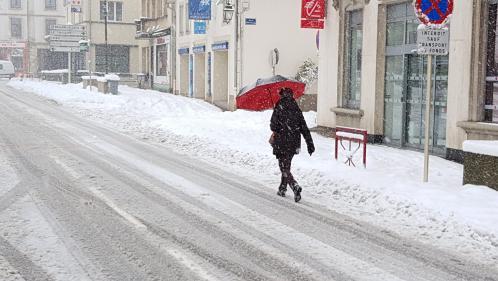 DIRECT. Tempête Gabriel : la circulation est ralentie dans l'Oise, la Somme ou encore l'Ile-de-France