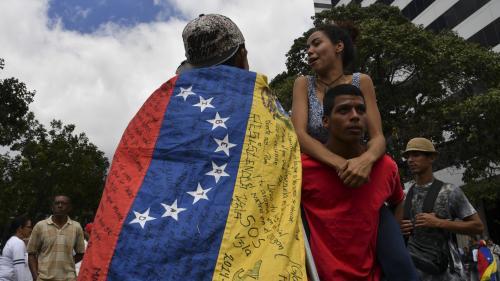 """Deux journalistes français de l'émission """"Quotidien"""" ont été arrêtés au Venezuela"""