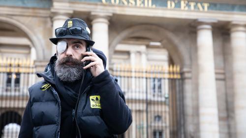 """Blessure du """"gilet jaune"""" Jérôme Rodrigues: des vidéos et un rapport relancent l'hypothèse d'un tir de LBD"""