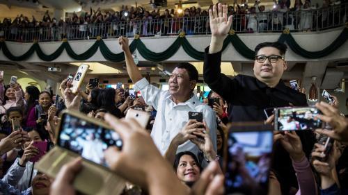 A Hong Kong, des sosies de Rodrigo Duterte et de Kim Jong-un sèment la confusion en pleine messe