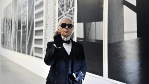 Dandy dès l'enfance, ennemi d'Yves Saint Laurent... Sept choses que vous ignorez peut-être sur Karl Lagerfeld