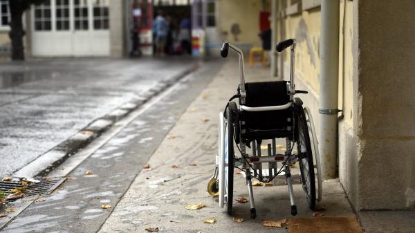 """Élèves handicapés : les accompagnants en grève pour """"la reconnaissance d'un vrai métier"""""""