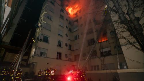 """""""Elle était paumée, plutôt que menaçante"""" : ce que ses voisins disent de la principale suspecte de l'incendie meurtrier à Paris"""