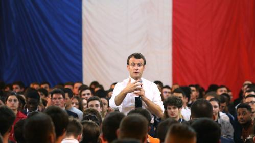 """""""C'est à vous de vous exprimer"""" : Macron exhorte les jeunes à se lancer dans le débat"""