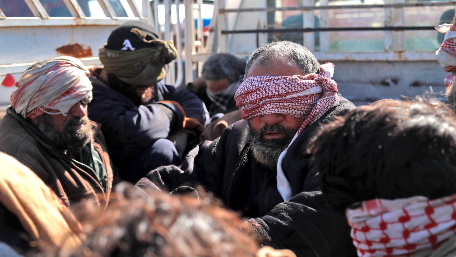 """VIDEO. """"On adorait Daesh"""" : plongée au cœur d'un camp de femmes de jihadistes en Syrie"""