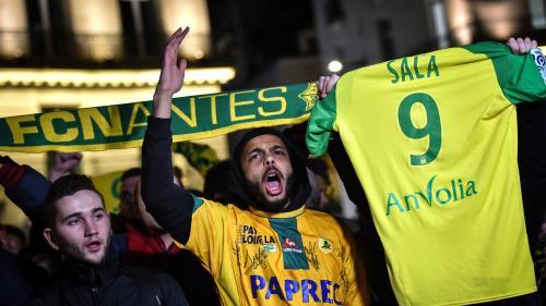 Foot : une minute d'applaudissements avant les matchs de championnat de France en hommage à Emiliano Sala