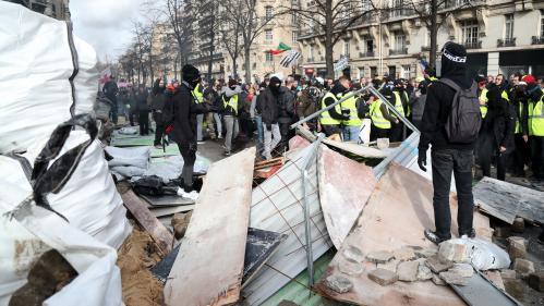 """DIRECT. """"Gilets jaunes"""" : des tensions aux abords de l'Assemblée nationale, dix personnes interpellées à Paris"""
