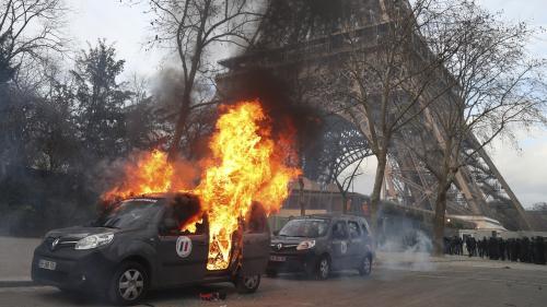 """VIDEO. """"Gilets jaunes"""" : journée de mobilisation sous tension à Paris, un manifestant gravement blessé et des détériorations"""