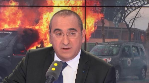 """VIDEO. """"Gilets jaunes"""" à Paris : le parcours d'un casseur appartenant à """"la mouvance d'ultra-gauche"""" a """"pu être reconstitué"""""""