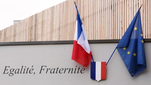 L'Assemblée vote la mise en place de drapeaux français et européens dans les classes de la maternelle au lycée