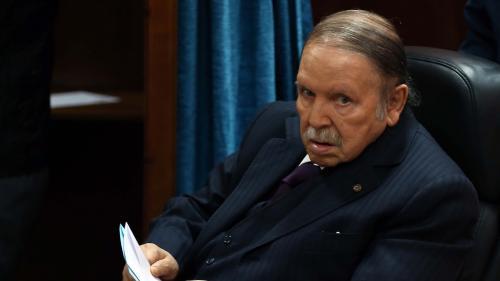 """Bouteflika candidat à un cinquième mandat : """"En Algérie, personne ne sait qui fait quoi et qui décide""""   https://www.francetvinfo.fr/monde/afrique/algerie/bouteflika-candidat-a-un-cinquieme-mandat-en-algerie-personne-ne-sait-qui-fait-quoi-et-qui-decide_31"""