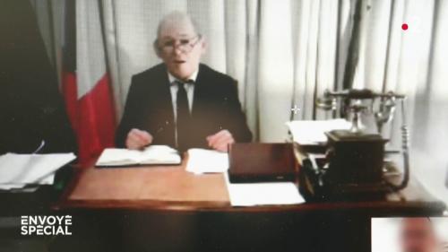 VIDEO. Faux ministre, vrai escroc