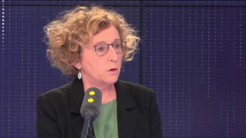 """VIDEO. Mentions """"parent 1"""" et """"parent 2"""" à l'école : """"Il y a des choses plus importantes dans la vie"""", selon Muriel Pénicaud"""