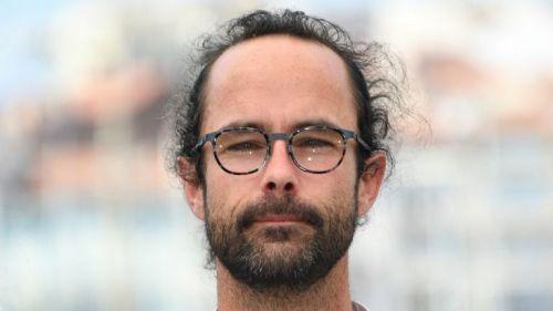 """Nice : accusé d'""""injure publique"""", le militant Cédric Herrou relaxé"""