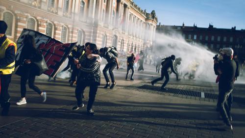 """""""Gilets jaunes"""" : des experts de l'ONU dénoncent des restrictions graves aux droits des manifestants"""