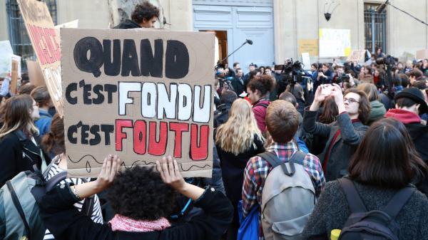 Climat : les jeunes Parisiens se mobilisent après l'appel de Greta Thunberg