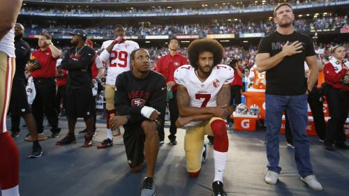 Etats-Unis : le joueur de foot américain antiraciste Colin Kaepernick trouve un accord avec la NFL