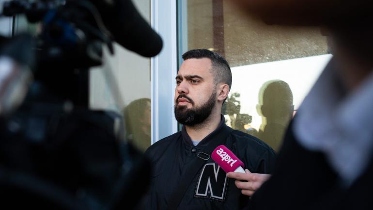 """Eric Drouet, figure des \""""gilets jaunes\"""", lors de son procès organisé vendredi 15 février 2019 à Paris."""
