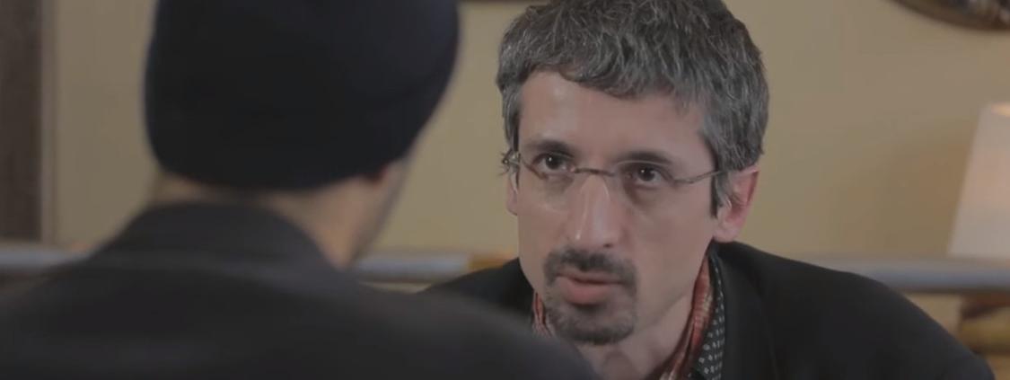 """Jean-Marc Manach, rédacteur en chef de l\'émission \""""Le Vinvinteur\"""", sur France 5, lors d\'une émission en 2013 avec \""""Pascal Méric\""""."""