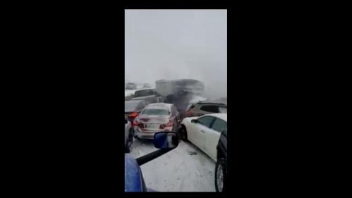 VIDEO. Etats-Unis : les images impressionnantes d'un gigantesque carambolage qui a fait un mort et neuf blessés