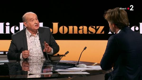 """VIDEO. Antisémitisme : """"Heureusement que ma mère n'est plus là pour voir ça"""", affirme Michel Jonasz à """"20h30 le dimanche"""""""