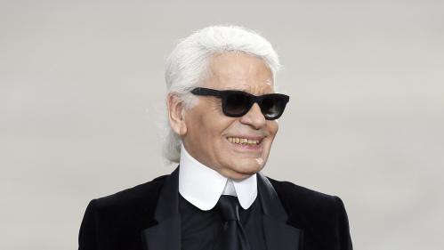 Le couturier Karl Lagerfeld, directeur artistique de Chanel, est mort