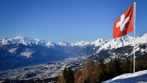 Eurozapping : spectaculaire avalanche en Suisse, Honda lâche le Royaume-Uni