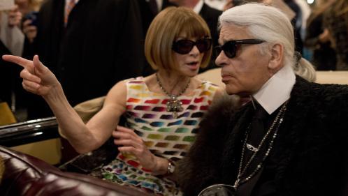 """DIRECT. """"Le monde perd un géant"""" : Anna Wintour, rédactrice en chef de """"Vogue"""", rend hommage à Lagerfeld"""