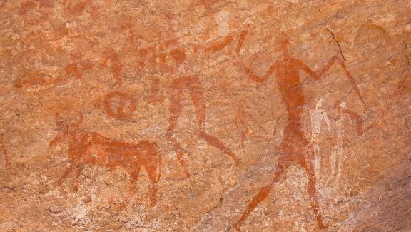 Peinture rupestre remontant à 7 000 avant J.-C., plateau du Tadrart dans le Sahara algérien.
