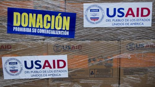 Venezuela : pourquoi Guaido et Maduro s'écharpent-ils autour de l'aide humanitaire?