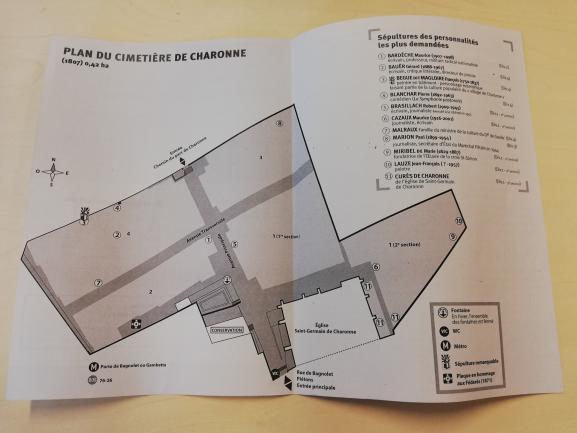 Le plan sur papier du cimetière de Charonne, à Paris.