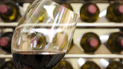 Les nouvelles taxes américaines inquiètent les producteurs de vin français