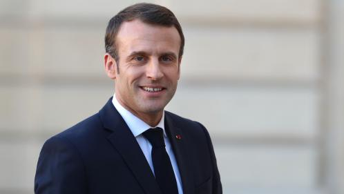 """""""Gilets jaunes"""" : """"Lorsqu'on va le samedi dans des manifestations violentes, on est complice du pire"""", affirme Emmanuel Macron"""
