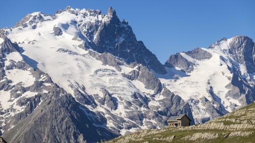 VIDEO. Dans les Alpes, le glacier blanc du Massif des Écrins disparaît