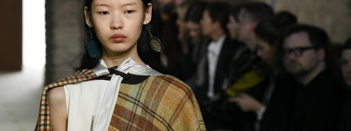 a4535cb3826 Fashion Week   Bruno Sialelli fait souffler un vent de fraîcheur ...