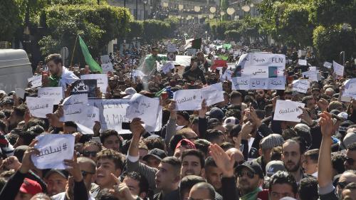 DIRECT. Une marée humaine dans les rues d'Alger contre un cinquième mandat de Bouteflika