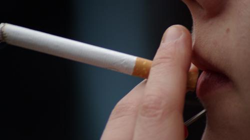 """Prix des cigarettes : """"Le tabac sera un mauvais souvenir pour la France dans 20 ans"""""""