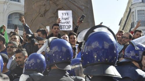 Algérie : comment les réseaux sociaux favorisent le mouvement de contestation contre la candidature de Bouteflika