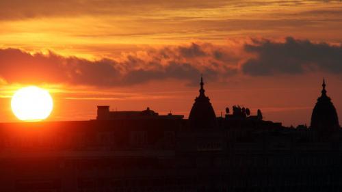 Il sera 4h26 à Strasbourg, 10h02 à Quimper... Aquelle heure se lèvera le soleil chez vous sionnechange plus d'heure ?