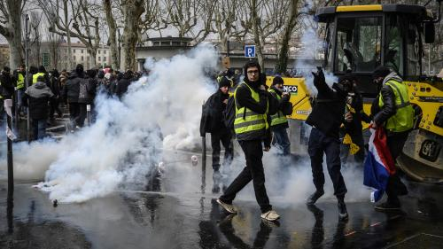 """""""Gilets jaunes"""" : moins de 6000 manifestants enFrance pour le 16e samedi de mobilisation"""