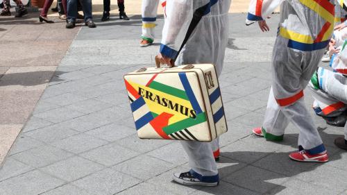 """""""Ça permet de voir comment ça fonctionne à l'étranger"""" : avec Erasmus, des jeunes en apprentissage peuvent partir à l'étranger"""