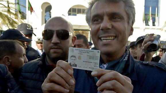 L\'homme d\'affaires Rachid Nekkaz a déposé sa candidature au Conseil constitutionnel en vue de la présidentielle en Algérie, le 3 mars 2019.